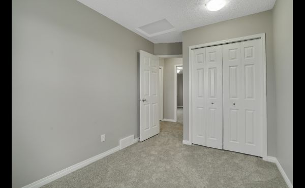 Large closets in 2nd and 3rd bedrooms